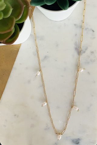 Dangling Pearls Midi Necklace
