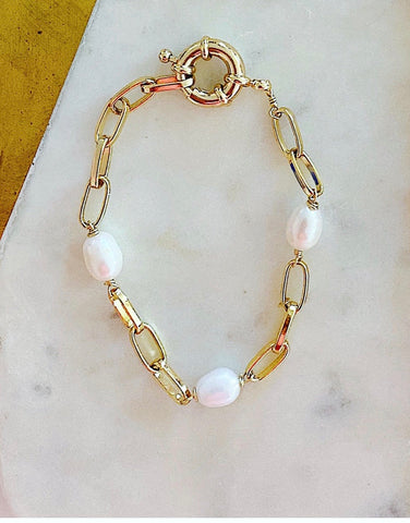 Chunky Chain and Pearls Bracelet