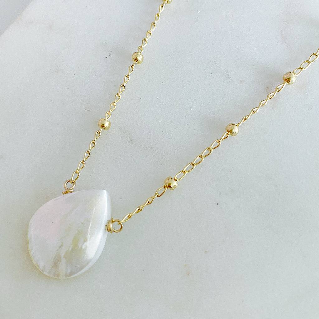 Mother of Pearl Large Drop In Satellite Chain