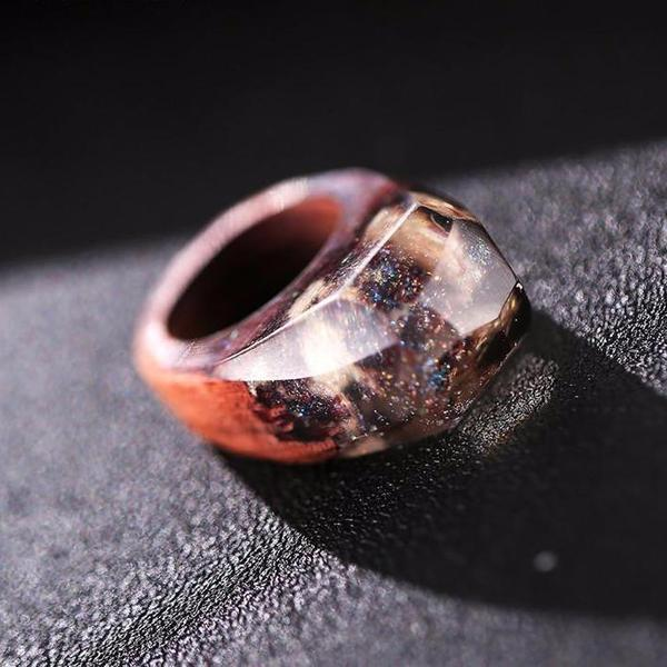 Quanta - Snow Falling Resin Ring