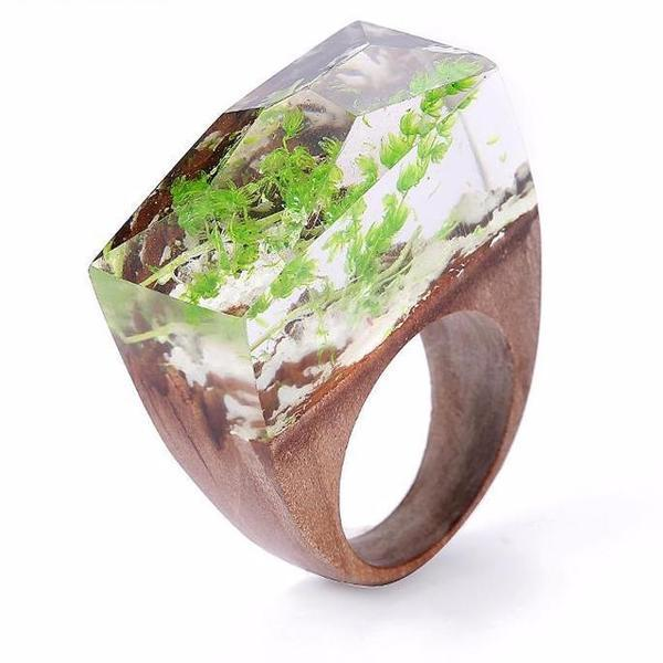 Quanta - Encapsulated Green Plant Resin Ring