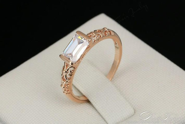 Retro Rhinestone Ring
