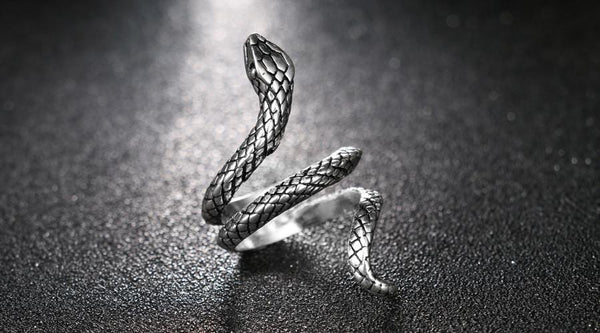 Covet™ - Serpentine Ring