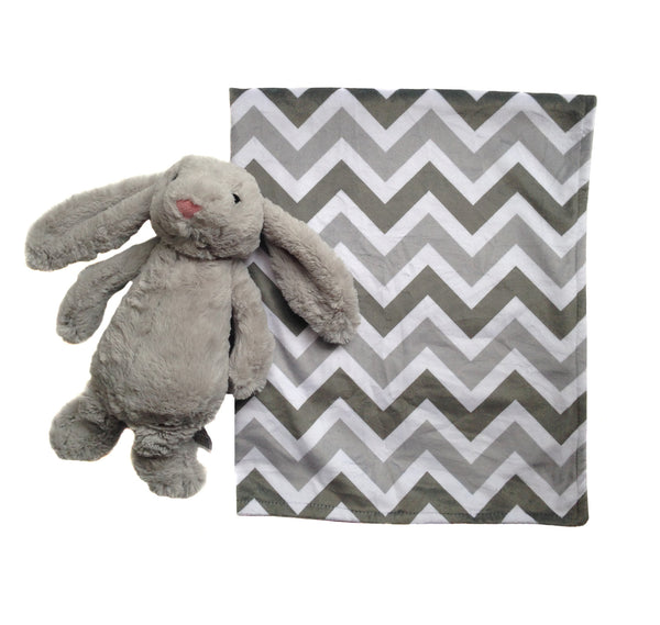Super-Soft Plush Chevron Blanket