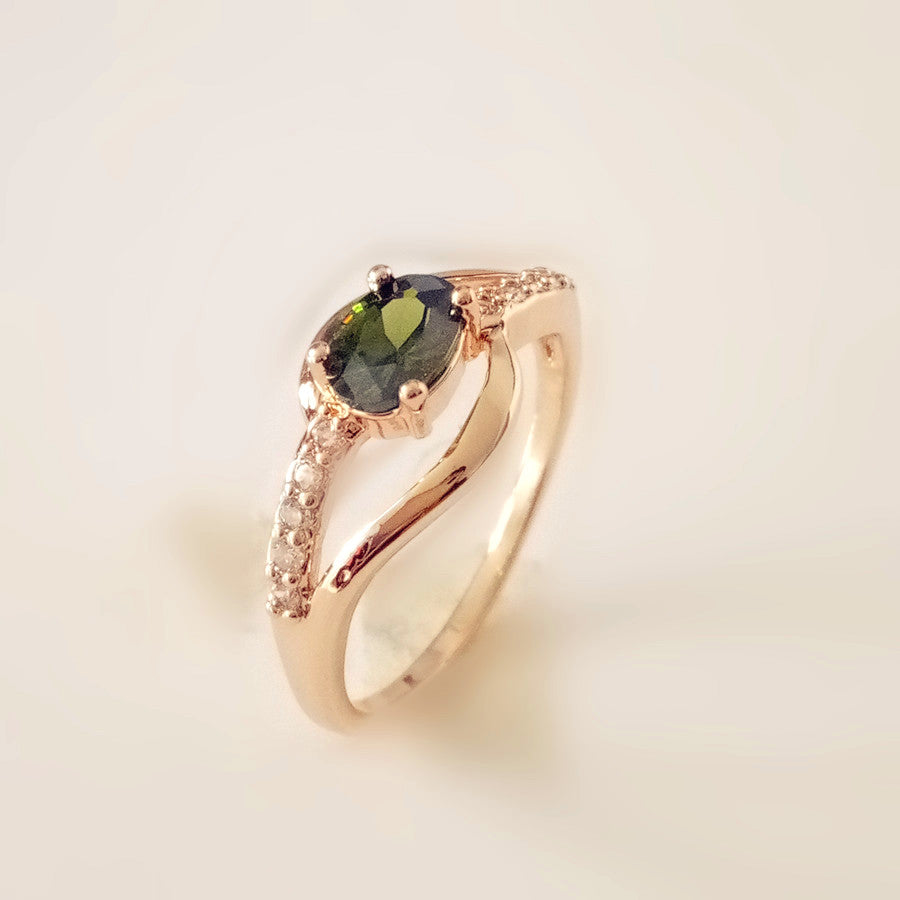 August Birthstone Peridot Rose Gold Princess Ring - Fantasy Jewelry Online