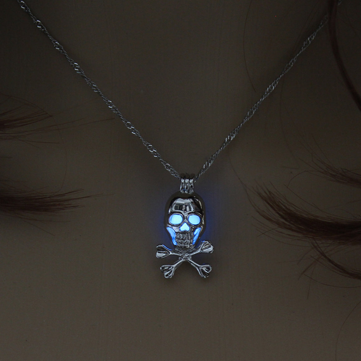 Glow In The Dark Skull Pendant Necklace - Fantasy Jewelry Online