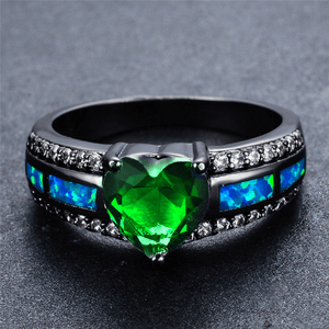 May Birthstone Emerald Heart Ring - Fantasy Jewelry Online