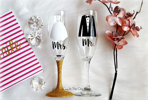 Bride and Groom Champagne Flutes - love-in-the-city-shop