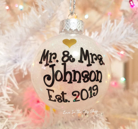 Mr and Mrs Ornament - love-in-the-city-shop