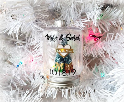 Wedding Snow Globe Ornament - love-in-the-city-shop