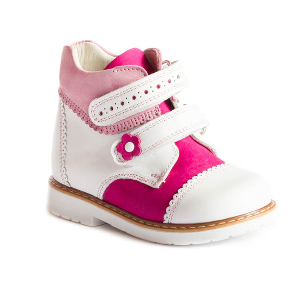 Hero image for NIÑA GRACE ankle boots for a princess
