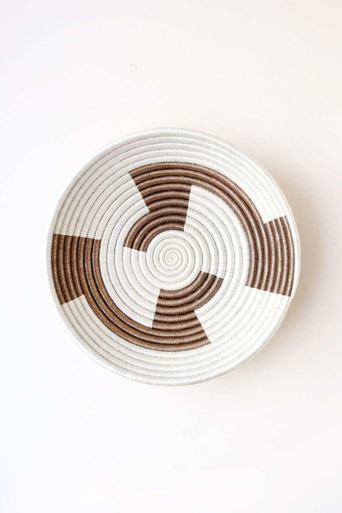 Basket gold geometric plateau