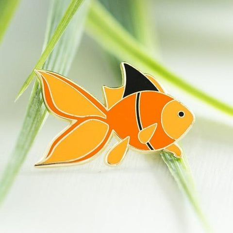 Paper Hearts - Enamel Pin - Little Goldfish