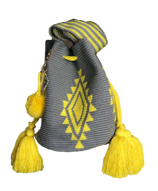 GREY MOCHILA WITH YELLOW DIAMOND PRINT