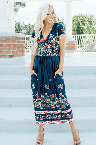 In Full Bloom Midi Dress - Navy
