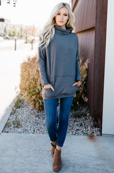 Cozy Kangroo Pocket Sweatshirt - Gray
