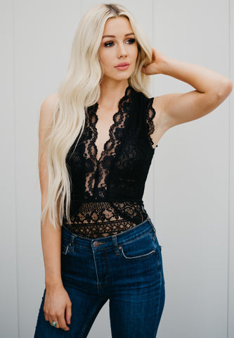 Seductive Lace Bodysuit - Black