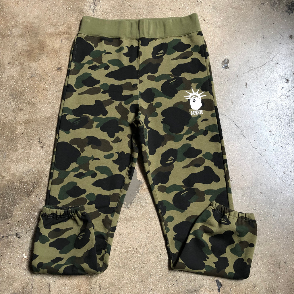 Bape 1st Camo NYC Slim Sweatpants Green - Exhibit A
