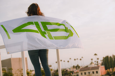 4B Flag - White and Green