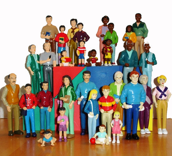 Multi-Ethnic Pretend Families (32 figures!)