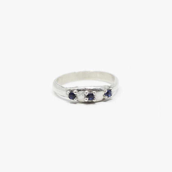 Sapphire Ring size 6 (r101)