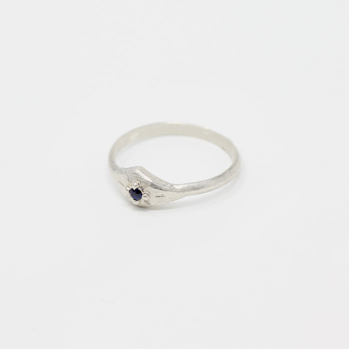 Sapphire Ring size 6.75 (r105)