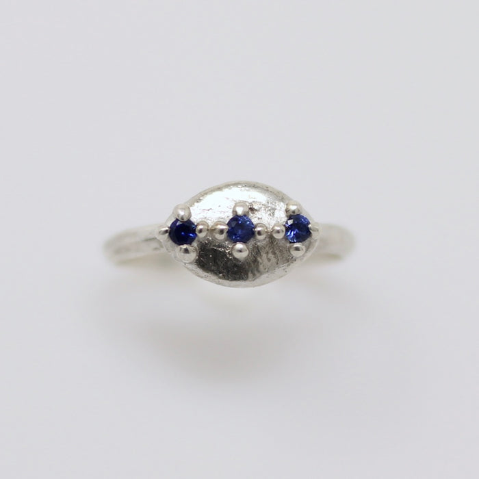 Sapphire Ring size 6.5 (r118)