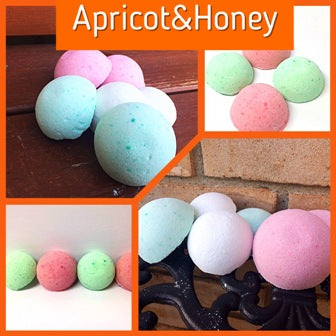 APRICOT & HONEY NECKLACE SHOWER STEAMER FOR HER