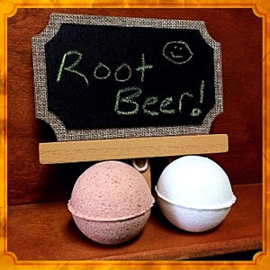 ROOT BEER NECKLACE BATH BOMB