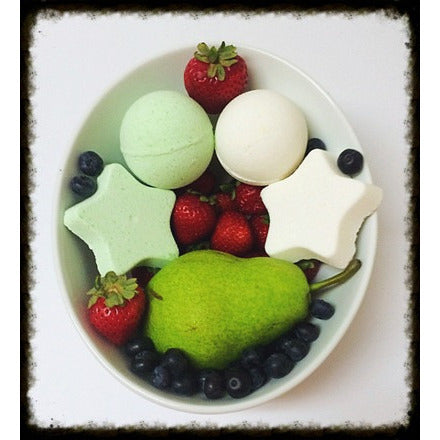 PEARS AND BERRIES, BATH BOMB - Jewelry Jar Candles