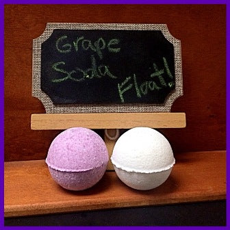 GRAPE SODA FLOAT NECKLACE BATH BOMB