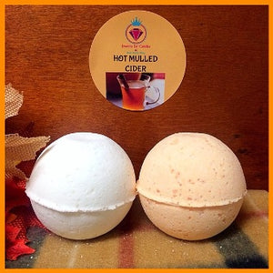 HOT MULLED CIDER, MEN'S BATH BOMB WITH SNAPS