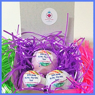 WOMEN'S BATH BOMB GIFT SET, 3 BATH BOMBS, 3 RINGS - Jewelry Jar Candles