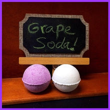 GRAPE SODA, MEN'S BATH BOMB WITH SNAPS