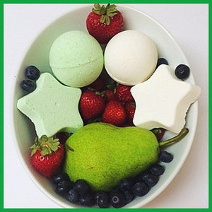 PEARS AND BERRIES, BATH BOMB BLING FOR ADULTS - Jewelry Jar Candles