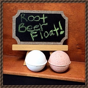 ROOT BEER FLOAT NECKLACE BATH BOMB