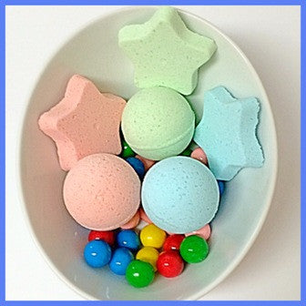 BUBBLEGUM, NECKLACE BATH BOMB - Jewelry Jar Candles
