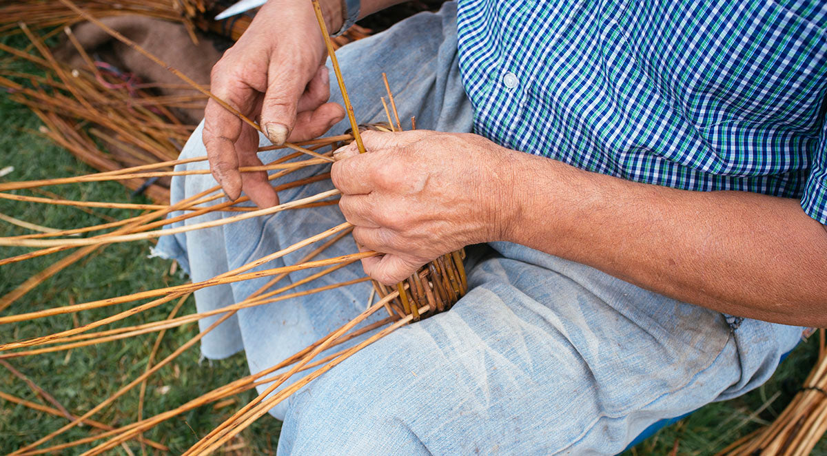 Making willow bicycle baskets
