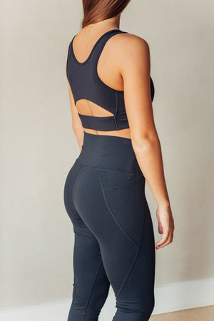 Cut-Out Back Essential Sports Bra - Black