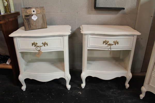 French Provincial 4 Piece Bedroom Set
