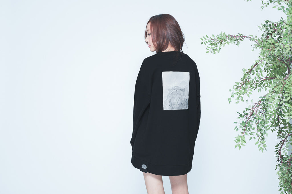 CATXMAN ABSTRACT PATCH BLACK SWEATER