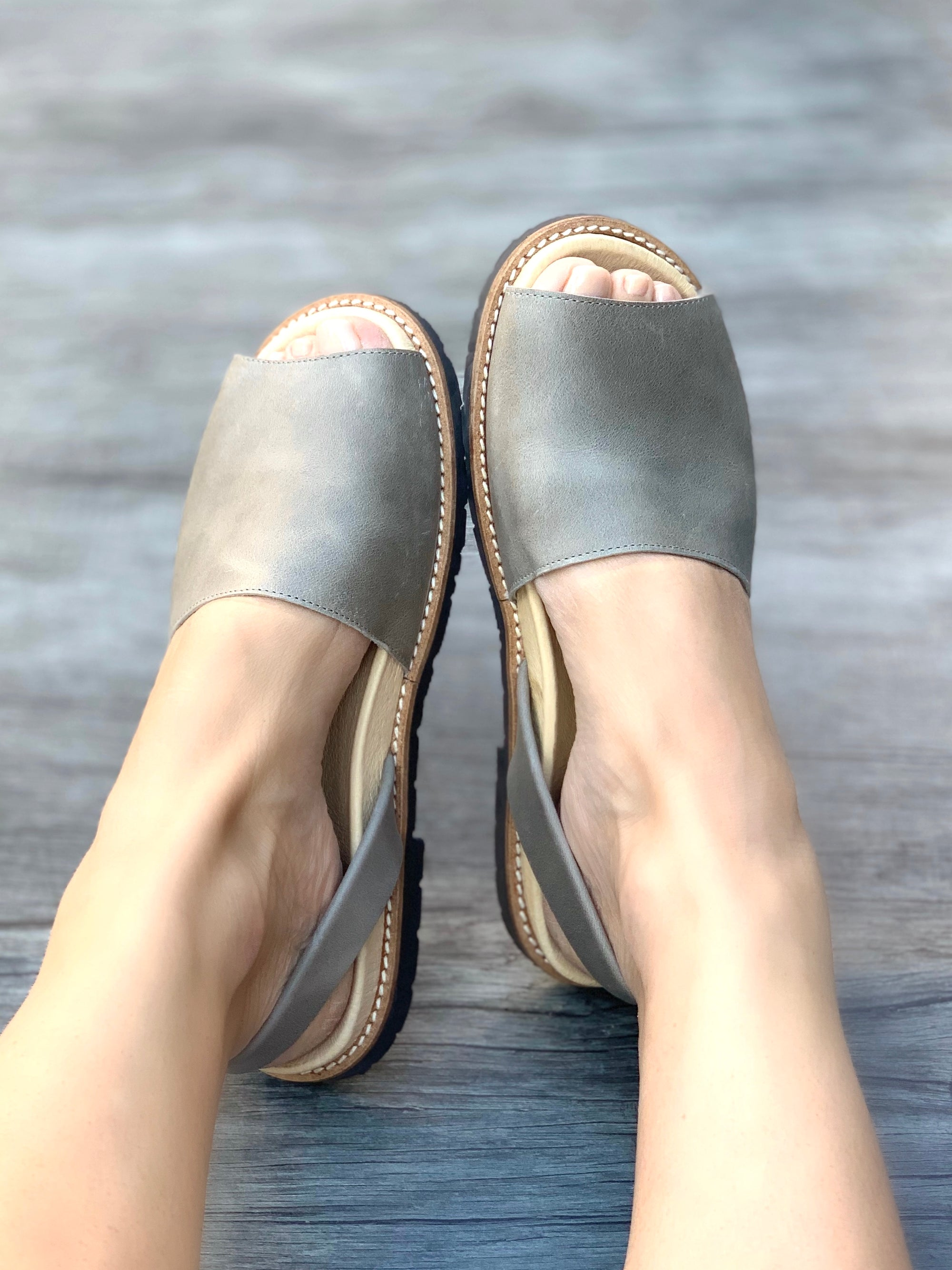 Vintage Grey Peep Toe Orthotic Avarca