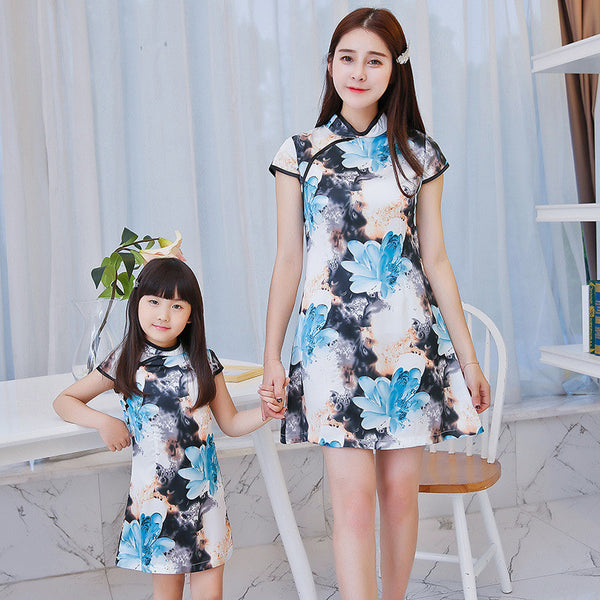 China Traditional Cheongsam Parent-Child Outfit Vintage Family Matching Clothes Flower Printed Slim Mother And Daughter Dresses - CoupleStuffs.com - Couple's Super Shop for Stuffs!