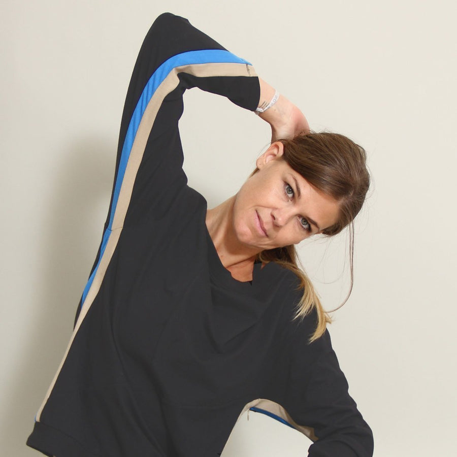 CASABLANCA Sports - Long Sleeve, Boatneck Yoga Top - front