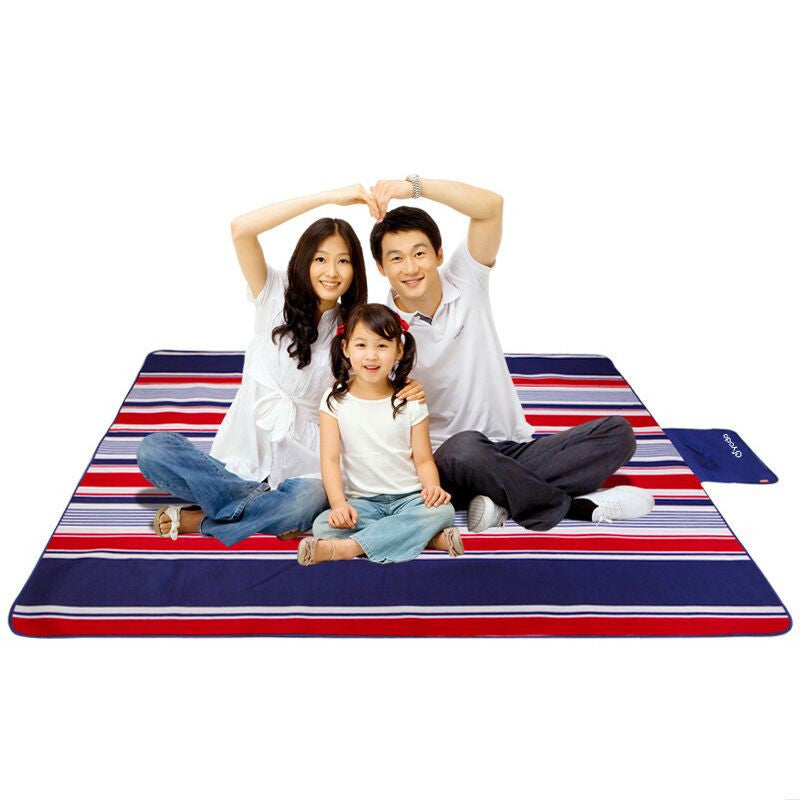 Outdoor Camping Mat Picnic Blanket Moistureproof Waterproof Sleeping Pad Beach Mat Fleece Fishing Camp Bed Equipment Barbecue