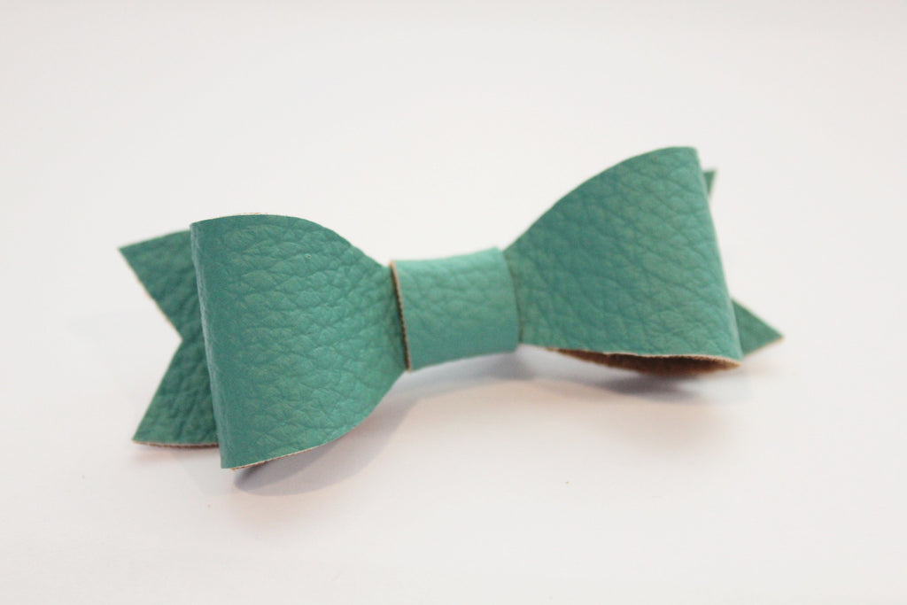 TURQUOISE CLASSIC BOW