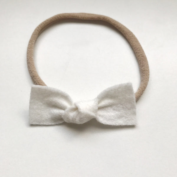 WHITE KNOT FELT BOW