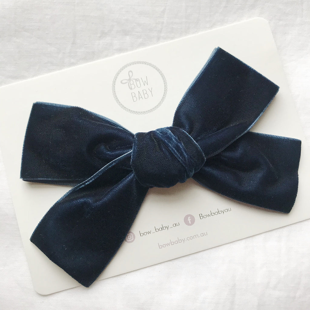 BIG BOW MIDNIGHT VELVET