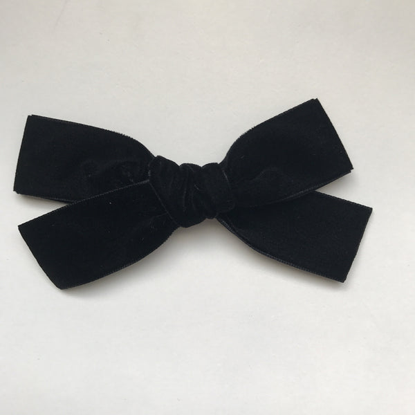 LUXE BLACK VELVET BOW
