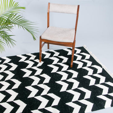 Aeron Handwoven Indian Kilim Rug